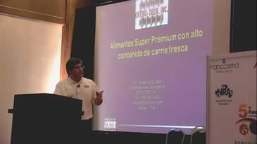 Alimentos Super Premium con alto contenido de carne fresca. Osvaldo Muñoz (Extrutech)