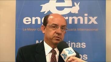 Tecnologia de compostagem para o tratamento de dejetos suínos. Dr. Paulo Armando V. de Oliveira (Embrapa)