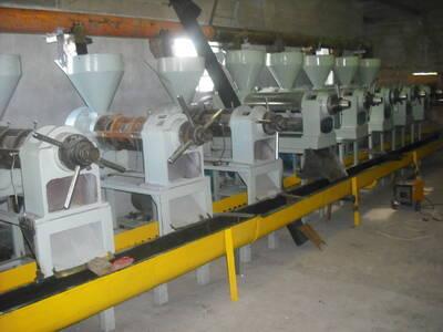 Instalacion para extraccion de aceites de soja--girasol-mani