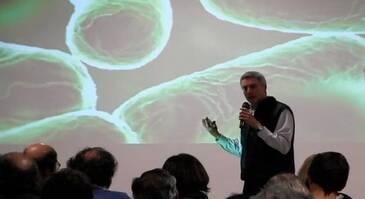 Bioregeneración del suelo, Carlos Abecasis