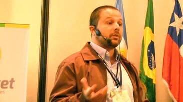 Aditivos en dietas de pollos, Valentino Arnaiz en AMEVEA Ecuador 2014