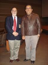 Dr. Daniel Cavestany junto al Dr. Carlos Gomez Bravo