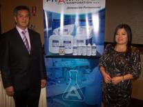 El Dr. Xavier Castro-Pozo, explicó las bondades de la línea de productos en la Ronda de Negocios