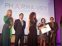 Agradeciendo a CONACO por el Premio Líder empresarial otorgado.