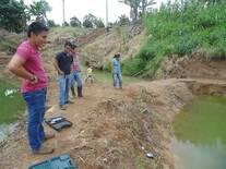 tomas de muestras físico-químicas del agua para cultivo de peces