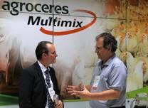 Visita do Prof Mallmann ao Stand Agroceres Multimix