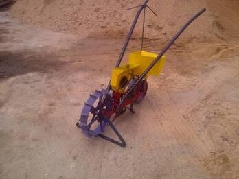Sembradora manual de granos