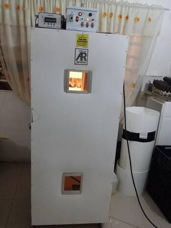 Fabricacion de Incubadoras y Nacedora. Full Automaticas Sistemas Profesionales de larga Vida Util